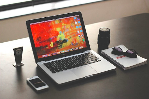 Which Laptop is Best for Graphic Design in India 2021 - Reetu Graphic Designer